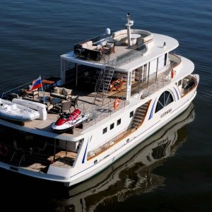 Rent a yacht for a week in Moscow