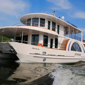 Rent a yacht for an hour in Moscow